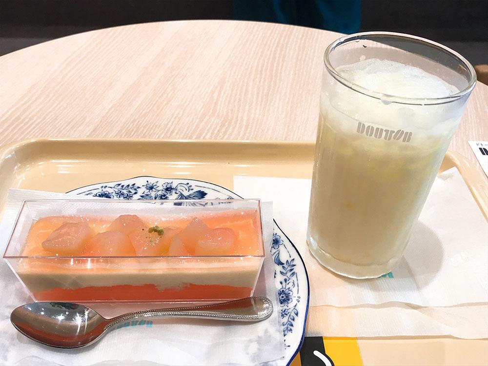 ドトールコーヒーショップ なかもず駅前店で新作の沖縄県産パインヨーグルトとピーチア・ラ・モードでコーヒータイム!