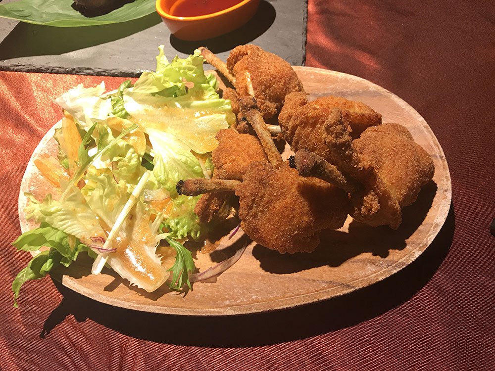 ロマン亭 ヴィラ なんばCITY店 ステーキ 炭火焼 大阪 なんば 難波 完熟肉が食べられる、サラダはビュッフェで食べ放題