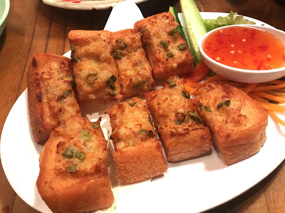 心斎橋にある大阪で人気のタイ料理屋さん・?はてなHATENAはタイ人が作る本格タイ料理
