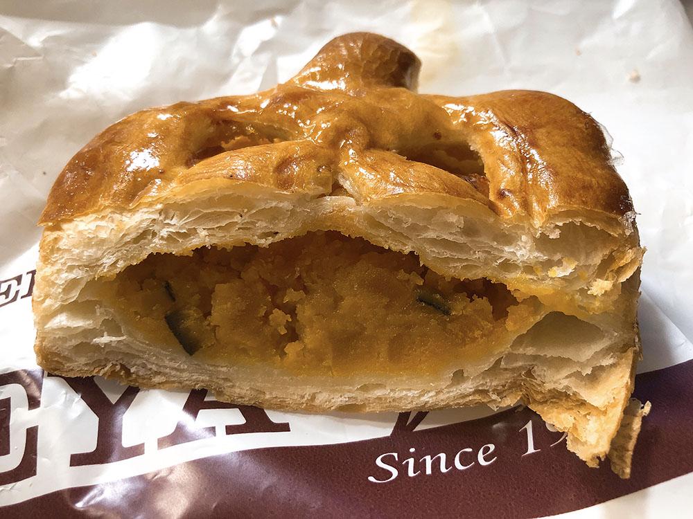 大阪で人気のパン屋・100周年!!フレッシュベーカリ神戸屋で1か月限定のハロウィンパイ